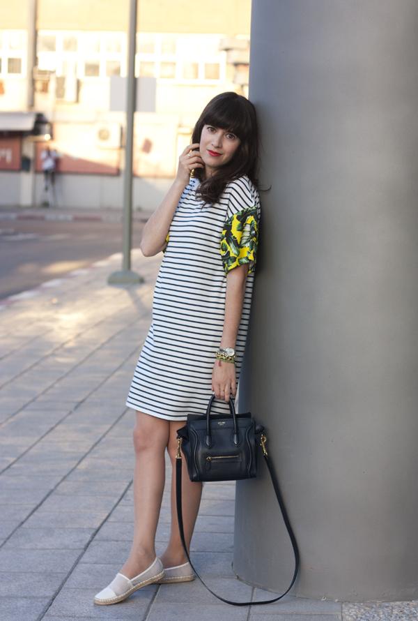 stripe dress, mesh espadrilles, celine bag, תיק סלין ,בלוג אופנה, אפונה בלוג אופנה, אספדריל, שמלת פסים