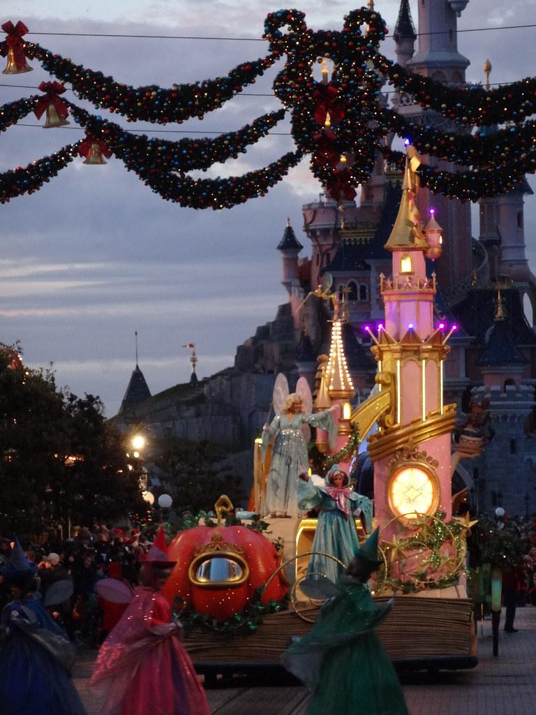 Un séjour pour la Noël à Disneyland et au Royaume d'Arendelle.... - Page 4 13695697663_0ef621c012_b