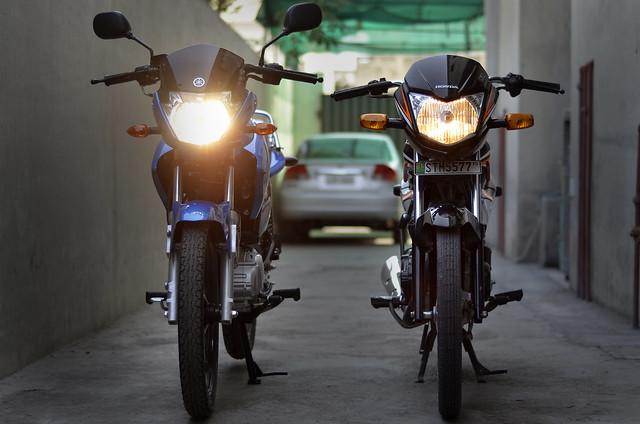 My new Yamaha YBR 125 Blue *jazzy77* - 18666878070 009ebc7a24 z