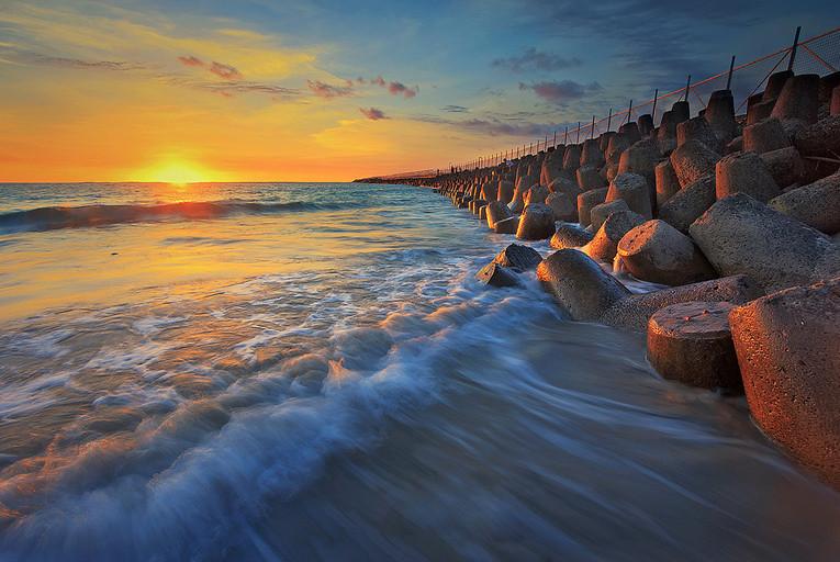 7. Kelan-Beach-Airplace-via Made Suwita