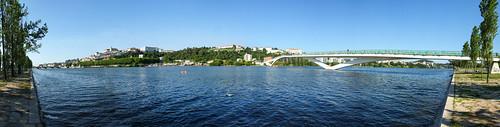 bridge panorama portugal water rio river waterfront wide ponte coimbra mondego pedroinês fujifilms6500 aeminium ruinunes