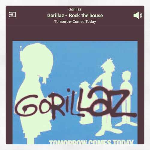 NowPlaying #Gorillaz - Rock the house...