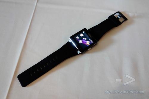 Sony Xperia Z1 & SmartWatch 2 Hand-on