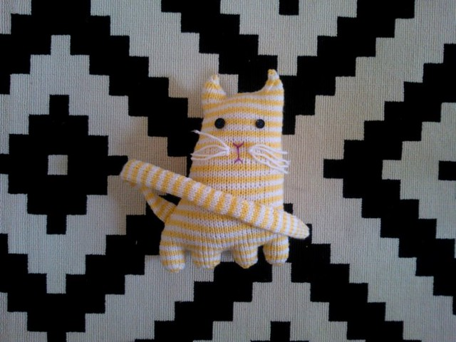 Knitted Cat 1