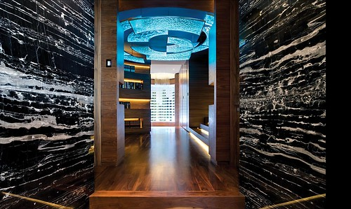 Modern-hallway-decor