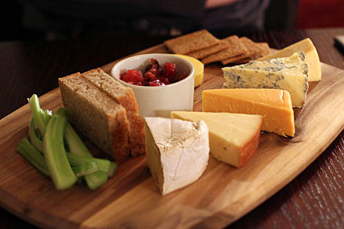 Artisan Yorkshire Cheeseboard IMG_9940 ch R