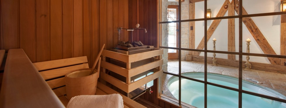 luxury-ski-chalets-switzerland-verbier-lutins-7-sauna-tub