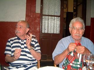 Con su primo, Miguel Hortigüela. Sus visitas, desde Canadá, siempre eran motivo de celebración.