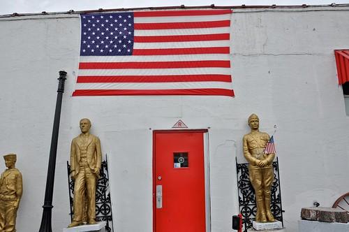 Del Buono's Bakery - Haddon Heights NJ Exterior Statues
