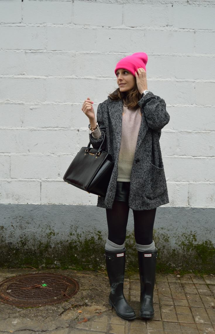 lara-vazquez-madlula-blog-black-pop-pink-winter
