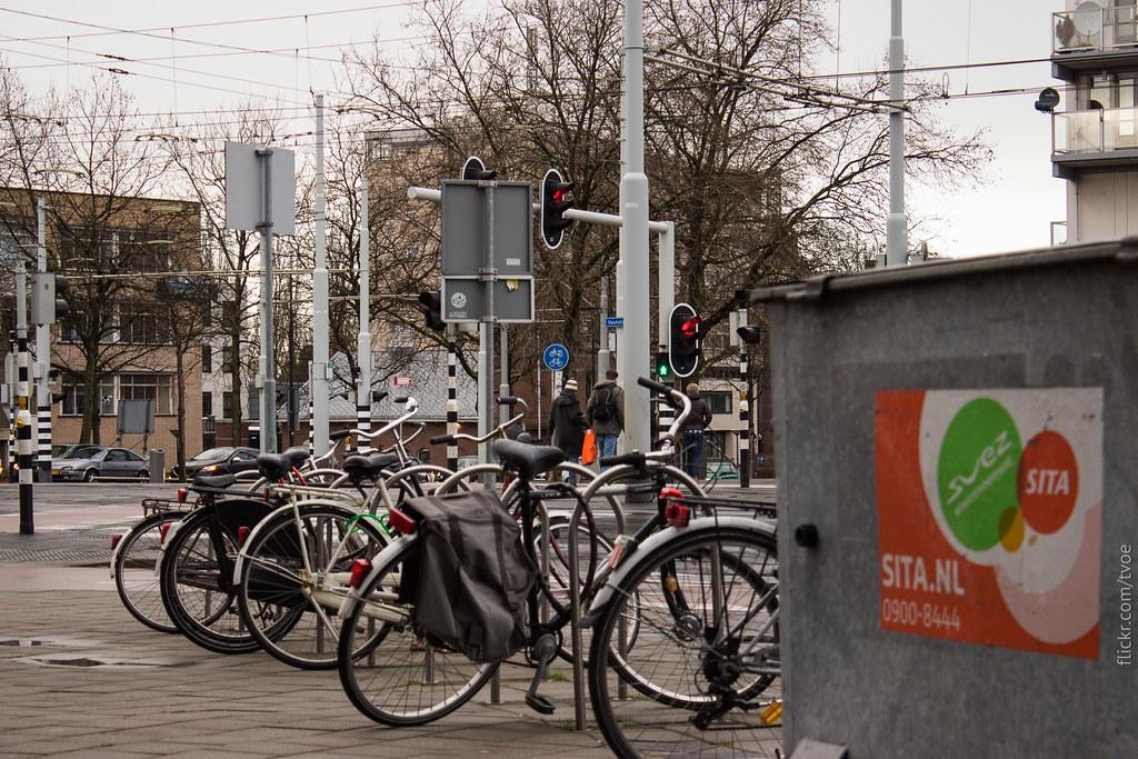 Улица в Роттердаме с велосипедами