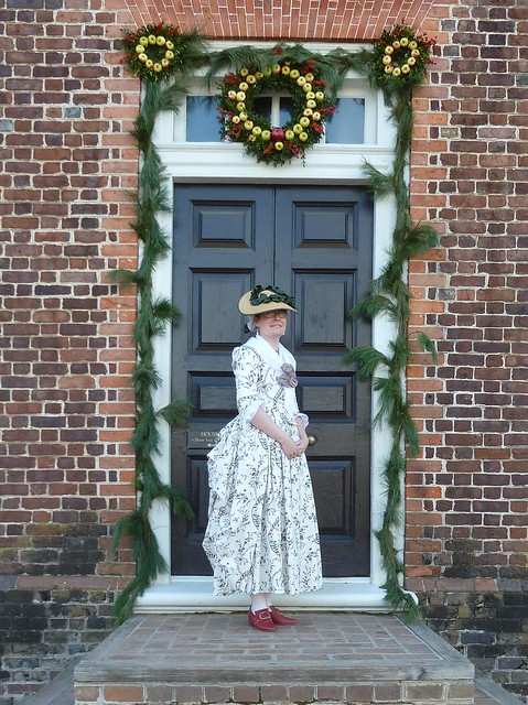 """Williamsburg"" WCR 1780 reproduction cotton print gown"