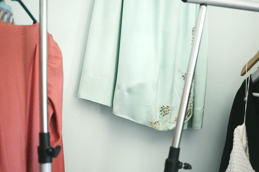 dress-wall