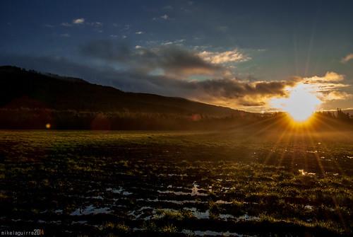 light sun luz sol sunrise nikon flickr amanecer euskalherria euskadi araba paísvasco argia álava egunsentia eguzkia marieta d3000 alavavision canonikos perluti