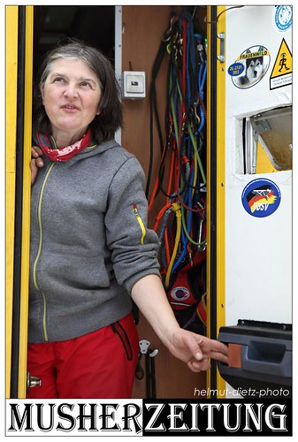WSA WM 2014, Kandersteg, Schweiz: Hannelore Proske schaut zum Himmel hoch ...