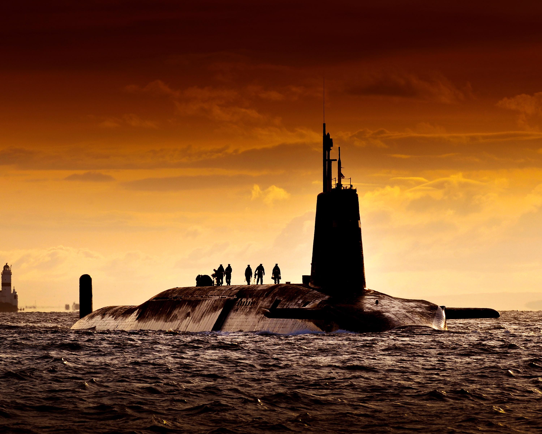 HMS Vanguard returns to HMNB Clyde