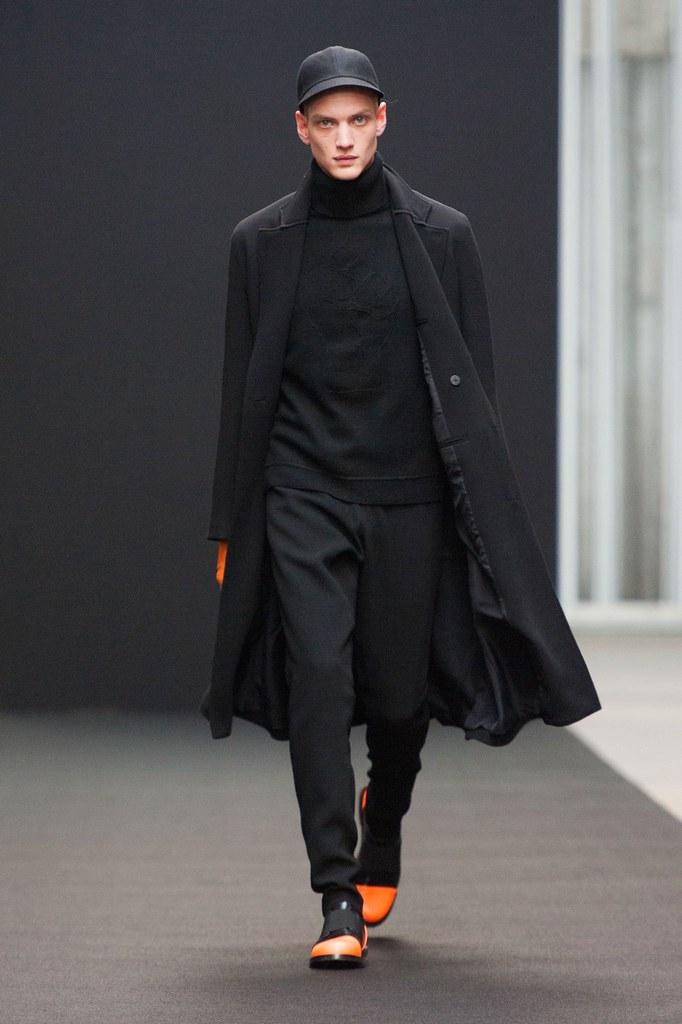 Paul Boche3562_FW14 Paris Tillmann Lauterbach(fashionising.com)