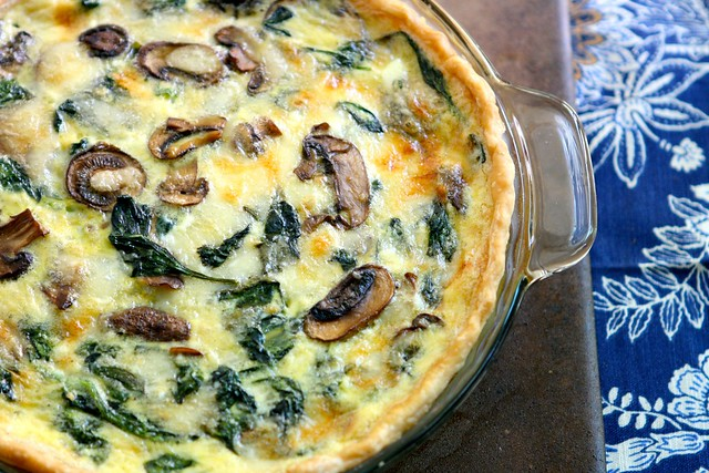 Cheesy Spinach and Mushroom Quiche