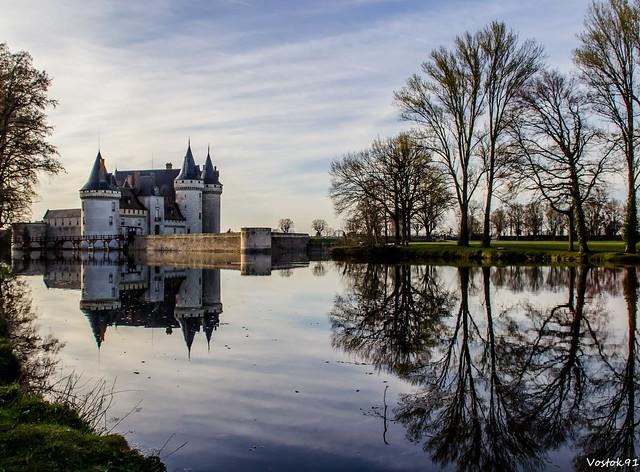 Chateau de sully sur loire flickr photo sharing for Sully sur loire code postal