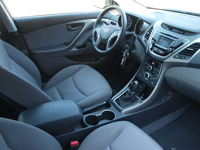 2014 Hyundai Elantra SE 4-door