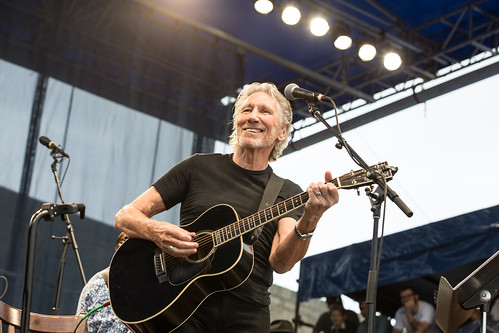 Roger Waters with My Morning Jacket and Lucius in concert