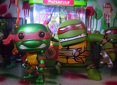 "FUNKO 'POP TELEVISION' :: TEENAGE MUTANT NINJA TURTLES - ""RAPHAEL"" #61 ;  Limited SDCC Exclusive Vynil Figure xii // ..'08 NECA ""BATSU"" Raphael  (( 2012 ))"