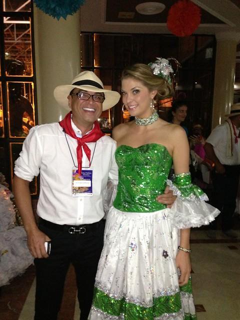 Eleccion reina colombiana del folclor