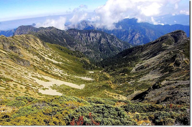 俯瞰圈谷(From 雪主頂) 3