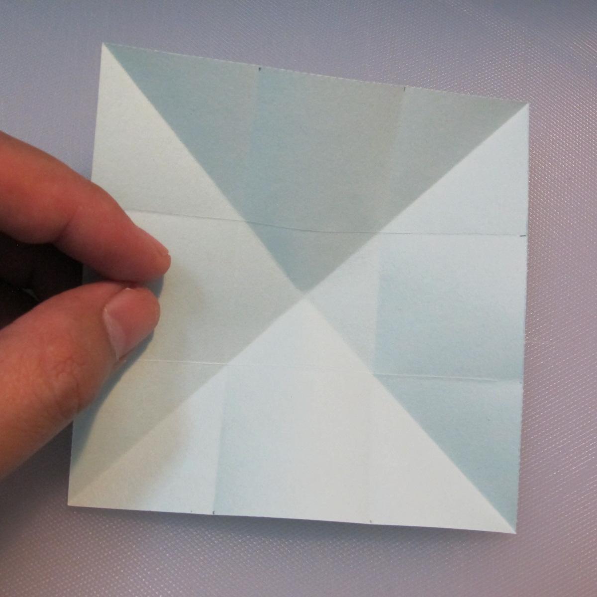การพับกระดาษรูปดาวกระจาย (Star Origami – スターの折り紙) 002