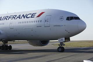 Boeing 777-200.