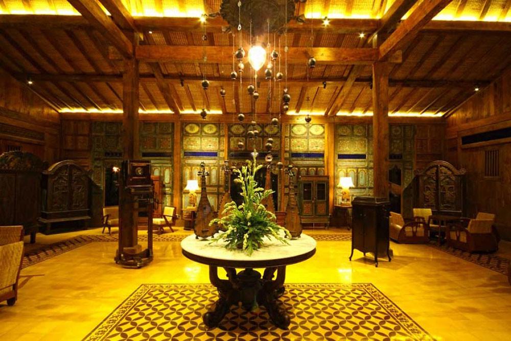9-lobby