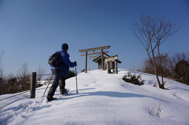 "Attack to The Mt, ""MIKUNIYAMA"" in snow"