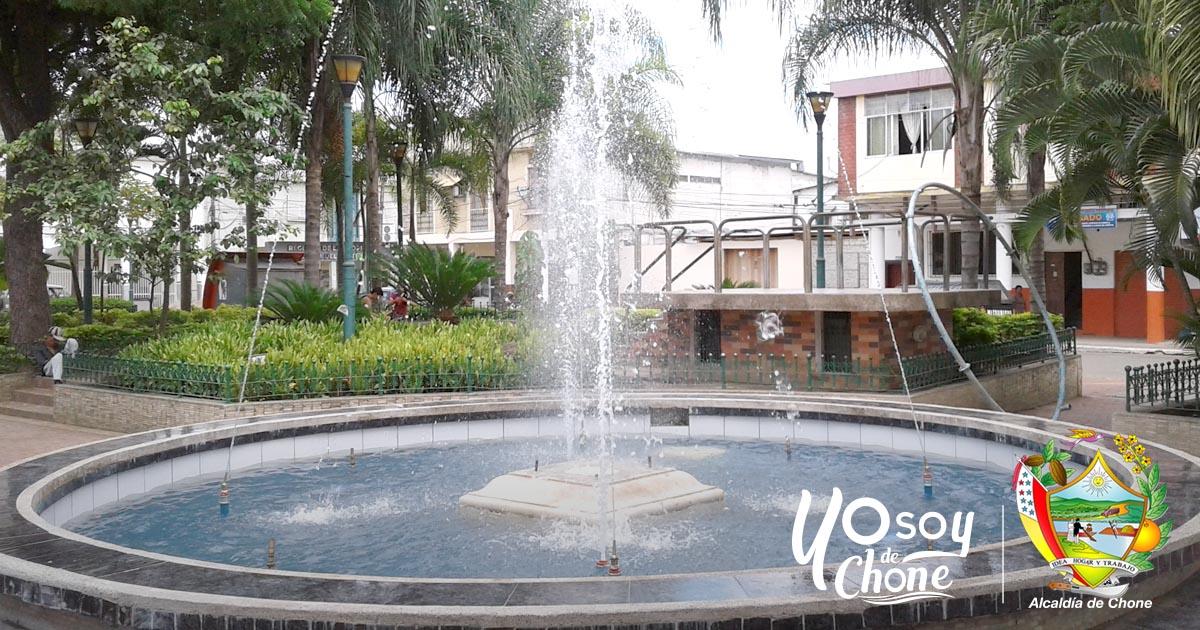 Rehabilitación de pileta en Plaza Sucre mejorará el ornato de Chone