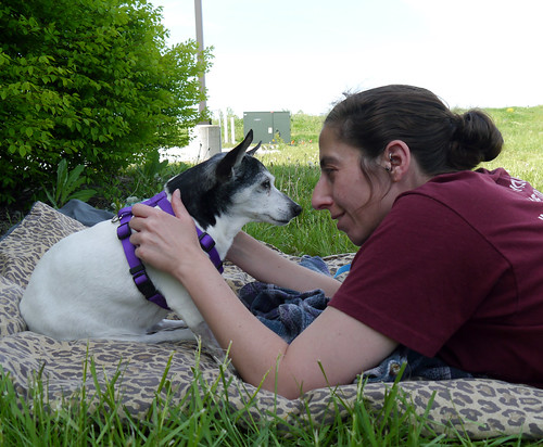 2013-05-13 - Visiting with Kaylee Outside - 0072