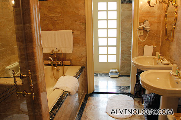 Attached bathroom in bedroom 1