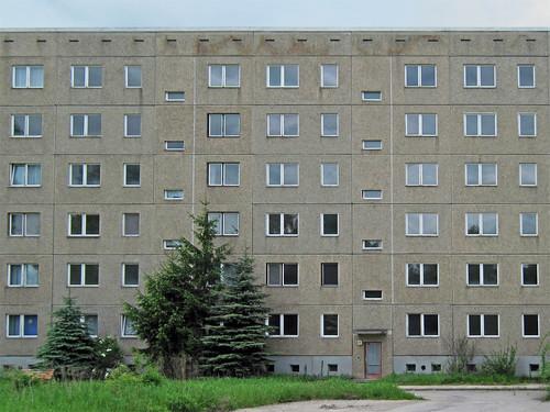 Gräfenhainichen (Zschornewitz) - GDR apartment block