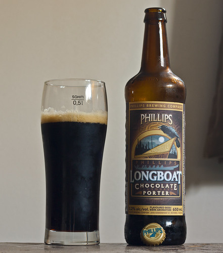 Review: Phillips Longboat Chocolate Porter by Cody La Bière