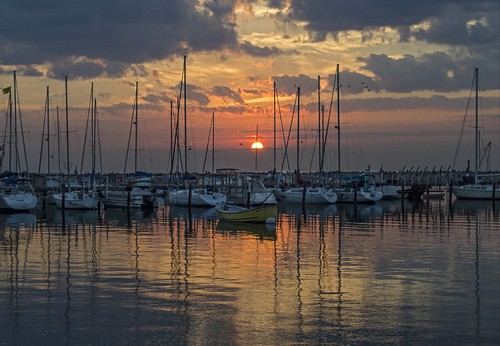 summer sky usa sun lake color water weather wisconsin clouds sailboat marina sunrise landscape dawn boat nikon midwest day cloudy michigan lakemichigan greatlakes elements milwaukee sail bayview sailboats lakefront southshore buoyant milwaukeelakefront southshoreyachtclub milwaukeecountypark d5100 uploaded:by=flickrmobile flickriosapp:filter=original