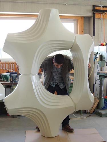 巨大的空氣清淨器,Elegant Embellishments公司2012年推出的Prosolve除污瓦。照片來源:Elegant Embellishments公司