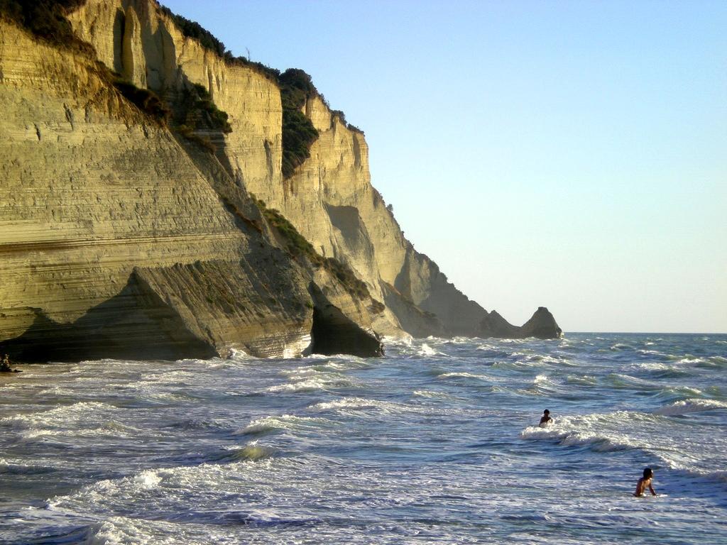 26. Mar encrespado en la isla. Autor, Riccardo