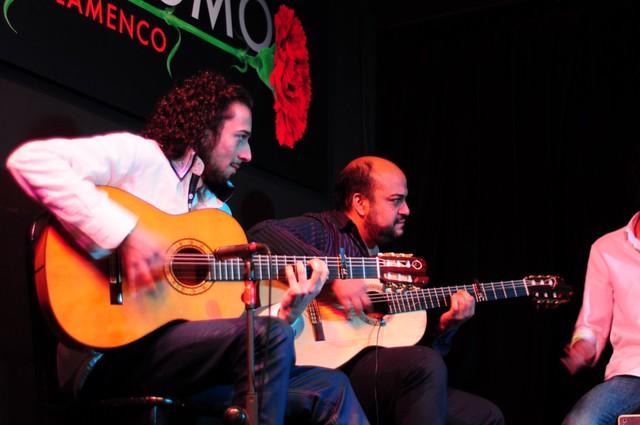 La guitarra española no falla, siempre con los mejores en Cardamomo Pasión por el flamenco en el Tablao Cardamomo de Madrid - 11499351925 a2b5b352ed z - Pasión por el flamenco en el Tablao Cardamomo de Madrid