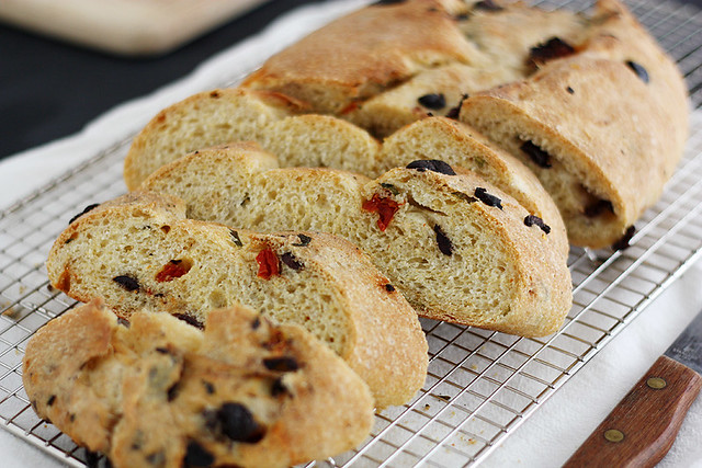basil, olive and sun-dried tomato bread