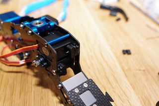 Servos mounted