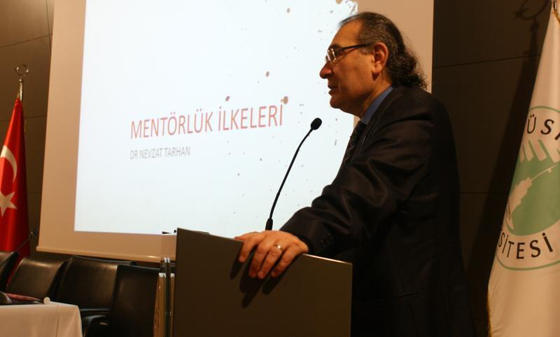 Üsküdar Üniversitesi Gönüllü Mentorler yetiştiriyor
