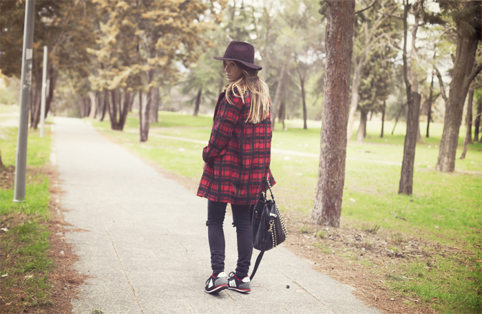 street style barbara crespo eleven paris tshirt freaky fashion blogger outfit