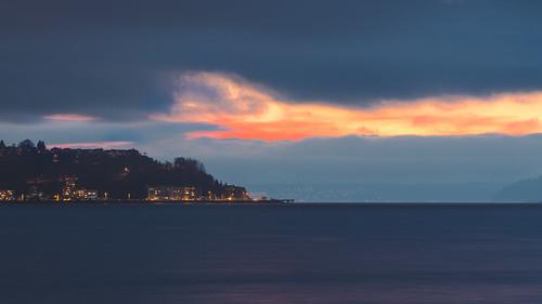 seattle sunset water washington cloudy dusk westseattle pacificnorthwest pugetsound bainbridgeisland 169 elliotbay olympusomdem5 olympusmzuikoed75mmf18