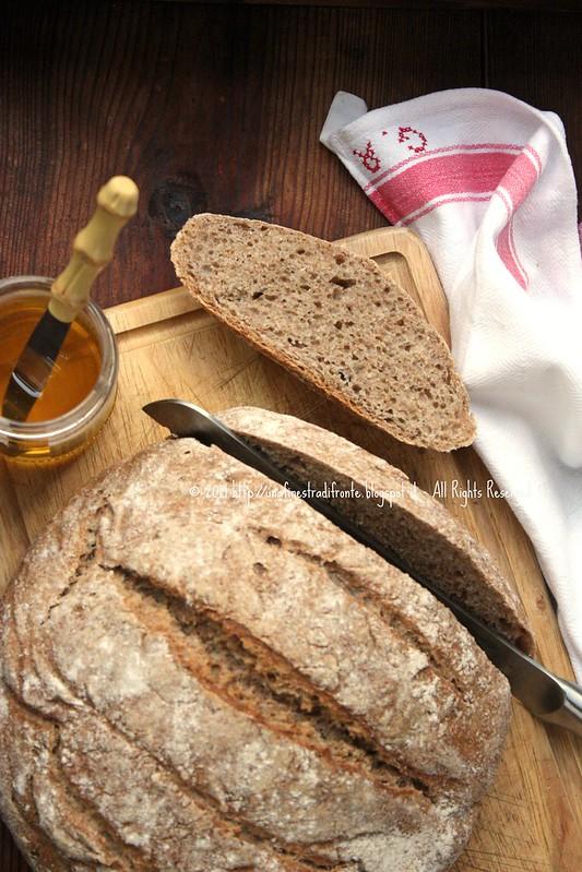 Pane integrale senza impasto a lievitazione naturale