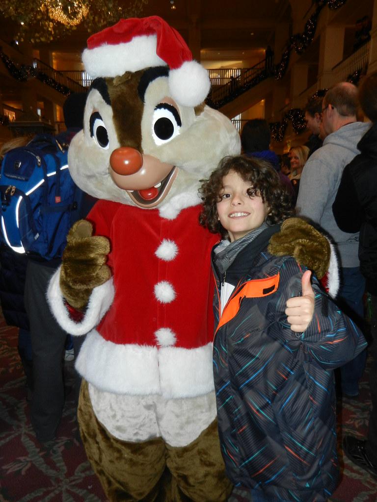 Un séjour pour la Noël à Disneyland et au Royaume d'Arendelle.... - Page 4 13693267503_e3e5074d47_b