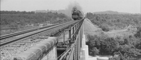 3−鉄橋を渡る(どこだろ?黒川鉄橋?)