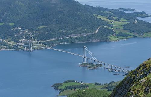 bridge water norway norge nikon suspension 85mm nikkor d90 gjemnes bergsøya gjemnessundbrua f18g gjemnessund